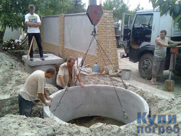 Погреб из бетонных колец заглубленный